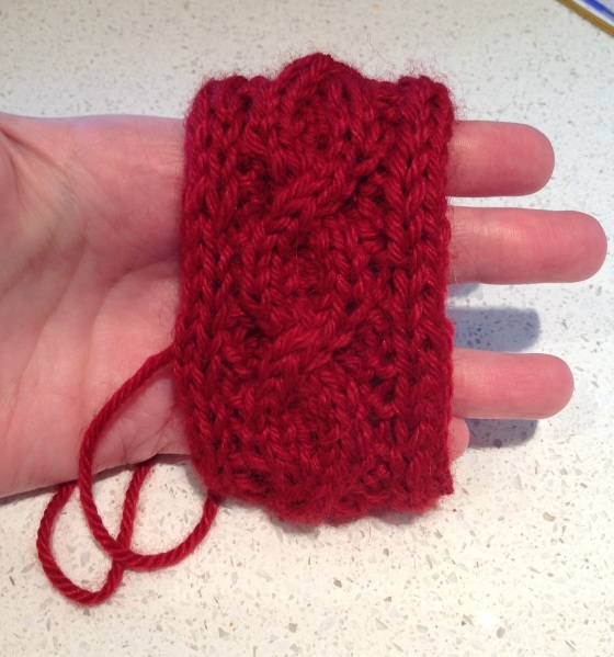 Seamless cable cuff